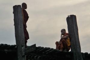 Mönche auf der U-Bein-Brück