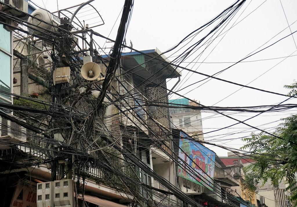 in den Wohnungen gibt es (meist) Strom (hier Hanoi)