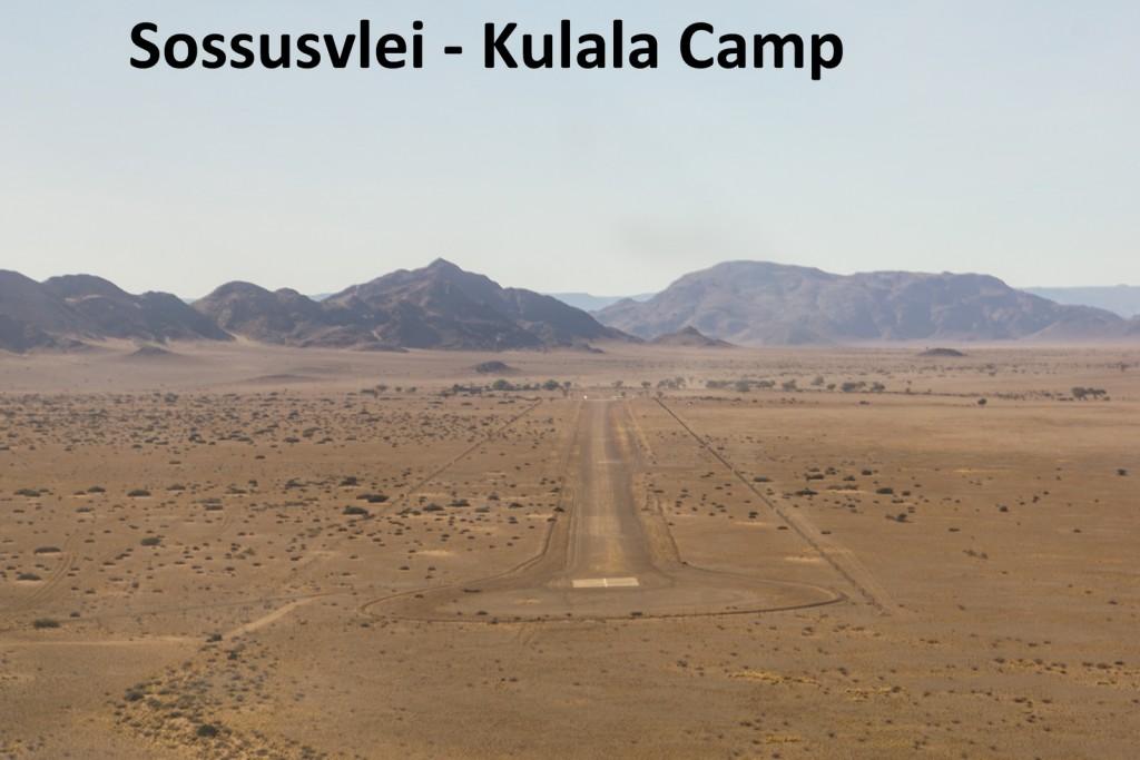 Ein Streifen in der Wüste entpuppt sich als die Landebahn, die wir nach ca. 1 Stunde erreichen.